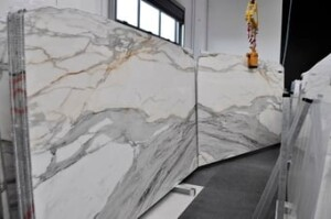 calacatta-gold-marble-slab-858